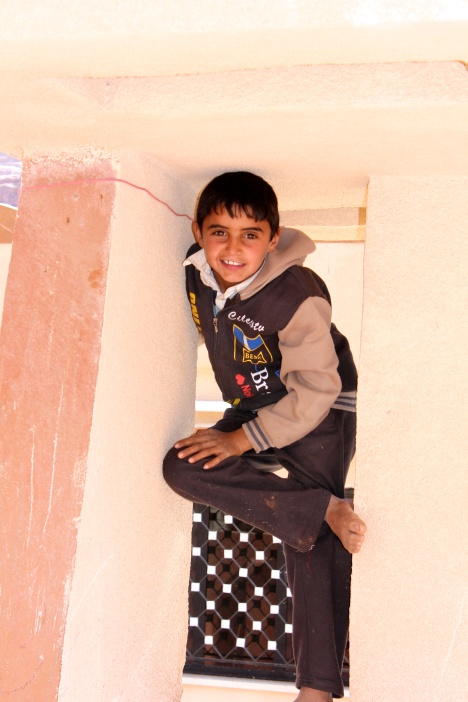 Abdullah striking a pose before he climbed the archway.